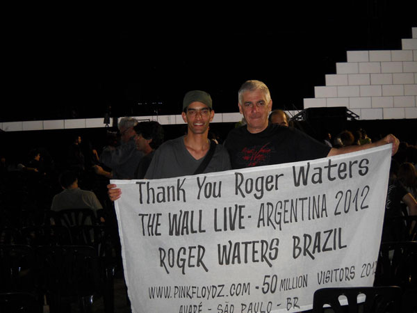 Our good friend Joaquim Arnes (Right) continues to proudly fly an AFG banner at Roger's shows.