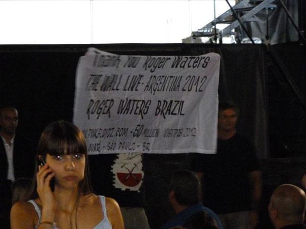 Joaquim Arnes flys an AFG banner again!