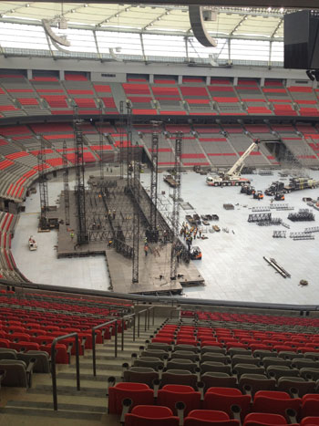 The stage under construction - Pic thanks to Geoffrey Thomas