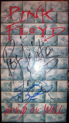 Pink Floyd bootleg signed by Roger Waters & Snowy White provided by Pinky Floyde