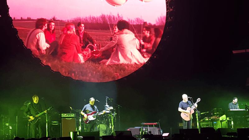 David Gilmour 11 April Madison Square Garden New York Ny Usa Pink Floyd A Fleeting Glimpse